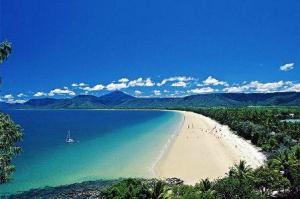 mile-beach-port-douglas-2206