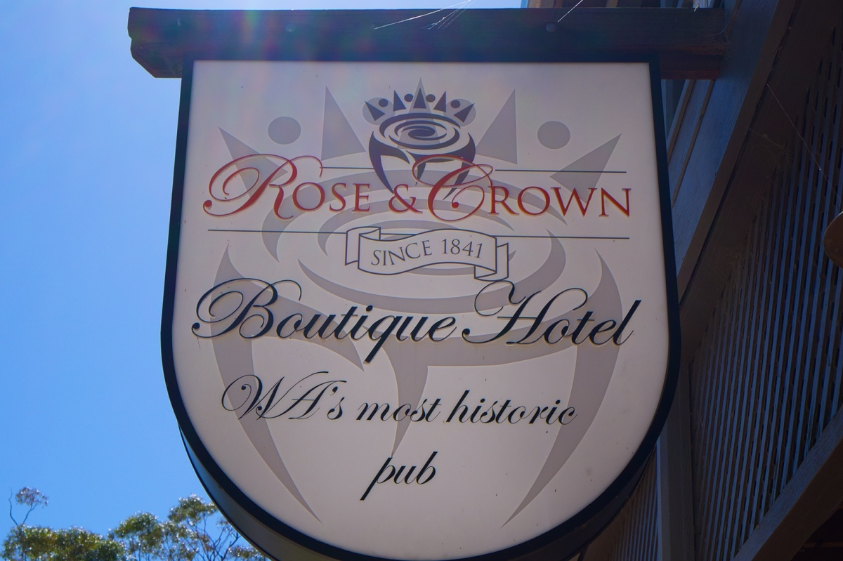 ROSE AND CROWN SIGN