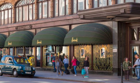 Harrods-store-exterior-321026