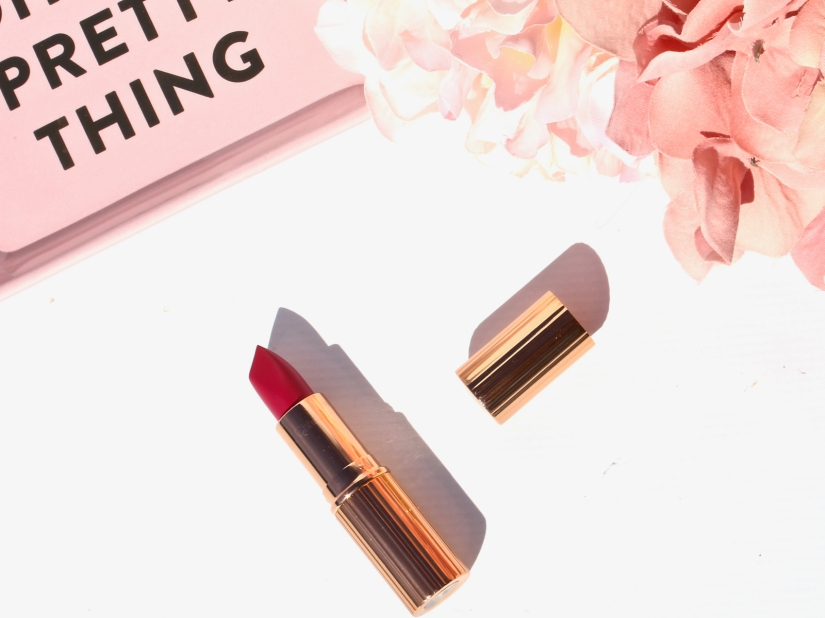 charlotte-tilbury-matte-revolution-the-queen-lipstick-4