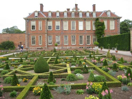hanbury-halls-and-gardens