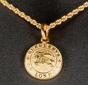 vintage-burberry-necklace_grande